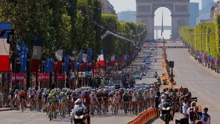 champs-elysees-tour-de-france-cycling_2963735